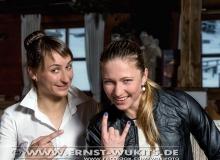 Nastassia Dubarezava and Darya Domracheva - Biathlon-Kalender Fotoshooting